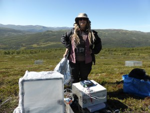 Me, Mia, during a CO2 flux measurement in the heath community. Photo: Diana Eckert.